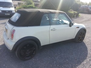mini cooper with resprayed wheels fitted